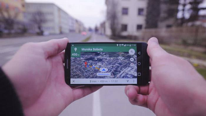 Handheld-GPS-use