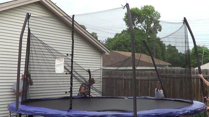 How-To-Set-Up-A-Trampoline