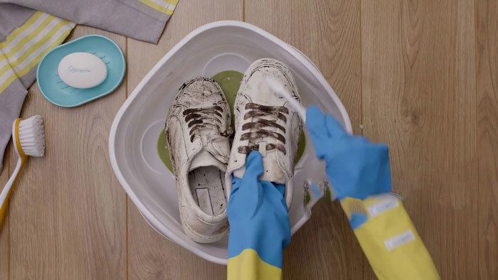 How-to-Clean-Sneakers-by-Hand