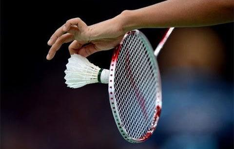 Play-Badminton