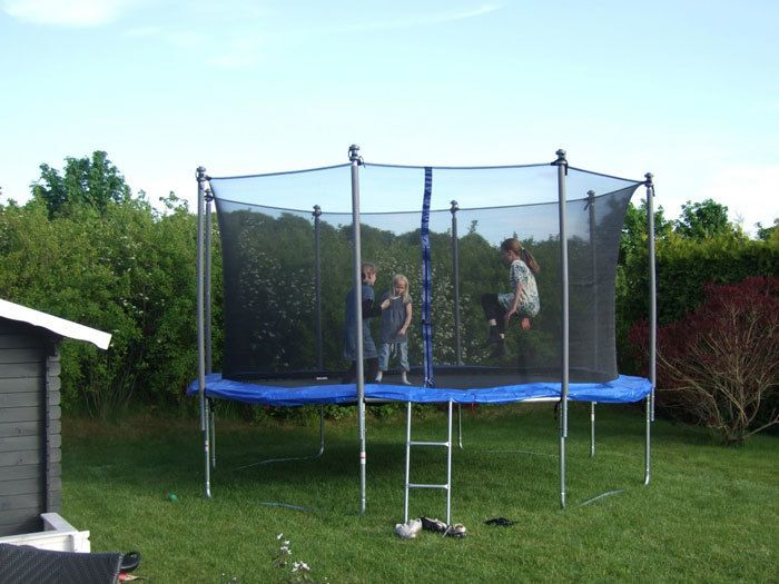 Trampolines-with-nets