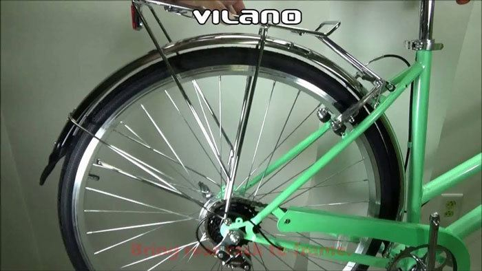 Vilano-Hybrid-Bike-wheel