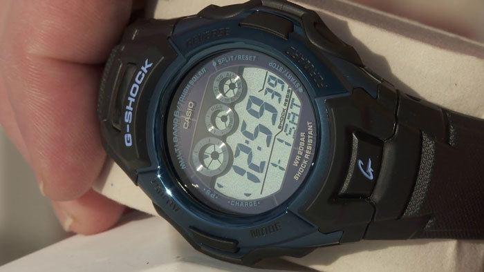 solar-powered-watch