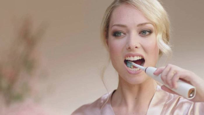 use-electric-toothbrush